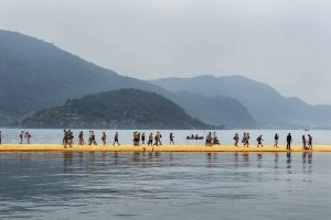 Floating Piers, Kunstwerk Christo und Jeanne Claude, Lago D'Iseo, Italien